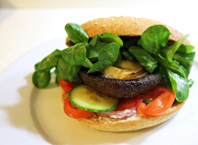 vegetarburger, færdig burger1, januar 2013